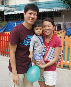 Aaron Gwen Elisa Family Photo